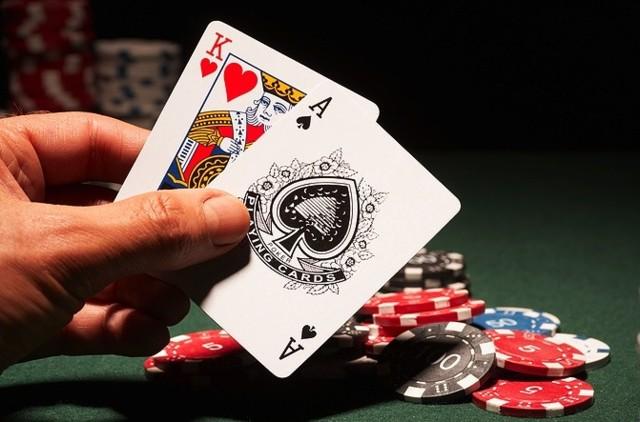 Cara Bermain Poker Online Profesional